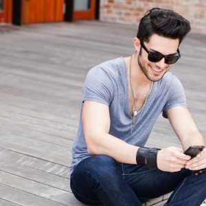4 Things Tinder Can Teach You About Dating (Yes, Really)