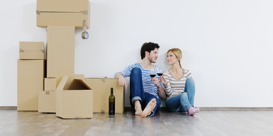 5 Things You Absolutely Must Think About Before Moving In With Someone You'reDating