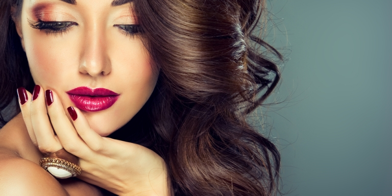 4 Reasons Why Women Wear Makeup (For Those Who Just Don't GetIt)