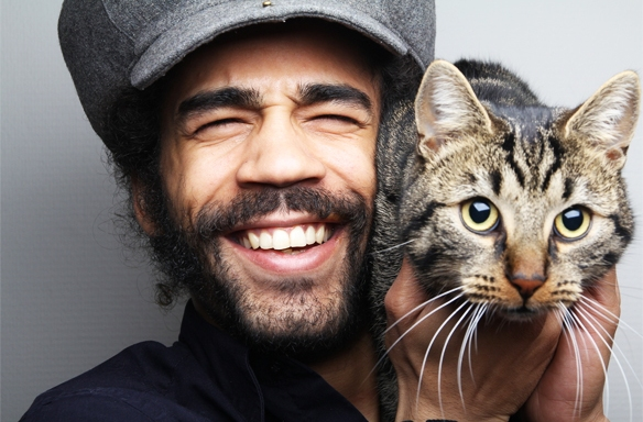 6 Signs You Love Your Cat TooMuch