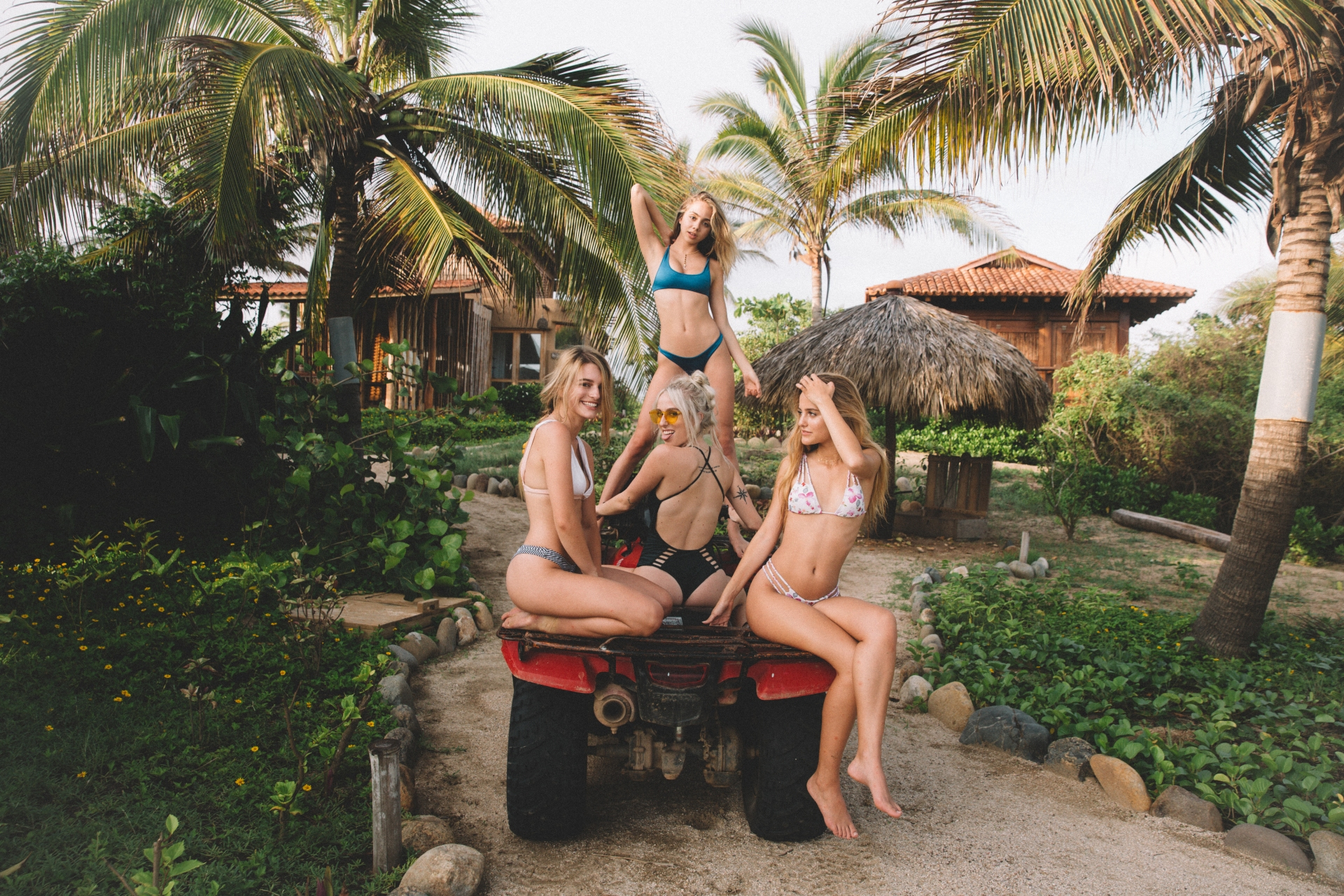Top 10 Reasons You Should Travel After Graduating College