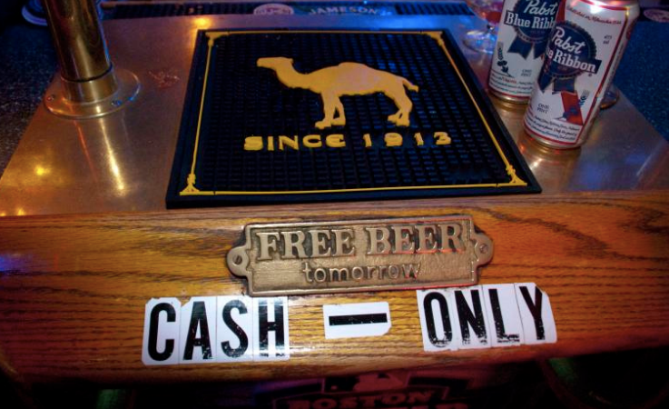 10 People You Meet In A Midwestern Bar