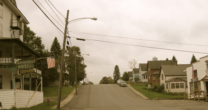 17 Reasons Growing Up In A Small Town Was Actually Terrible