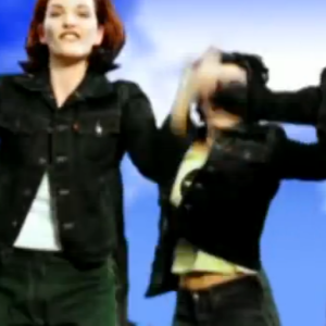 9 Incredible (But Forgotten) Radio Hits From The 90's
