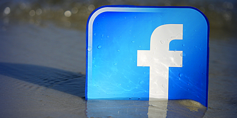 10 Things Everyone Secretly Wishes You'd Stop Doing OnFacebook