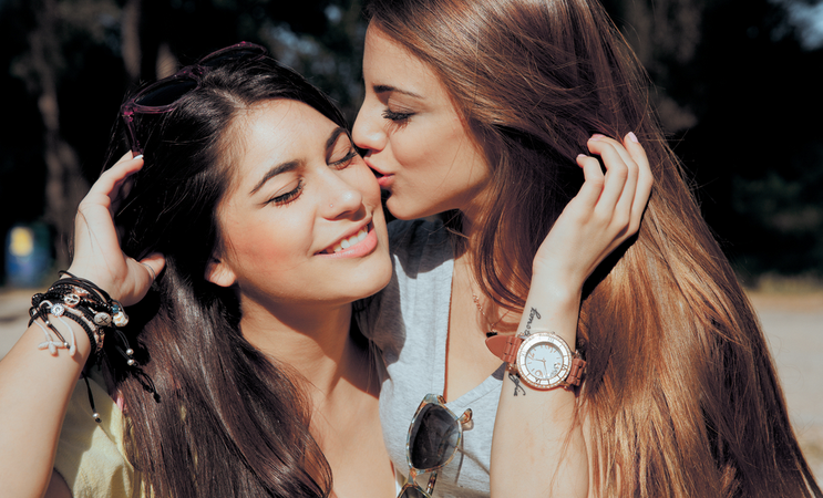 11 Things That Happen When Your BFF Is An Overthinker