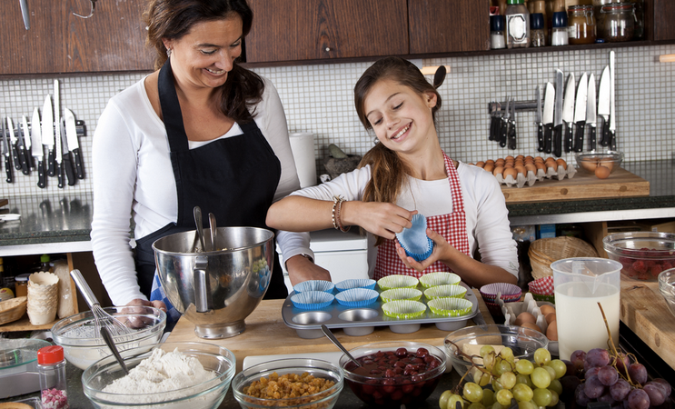 11 Things That Happen When You Grow Up With A Mom WhoBakes