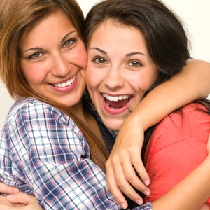6 Reasons You Should Hug The Person Next To You