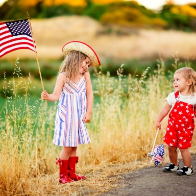 15 Big Ways You Love Your Little Sister