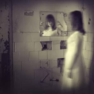 21 People Describe Their Encounters With The Paranormal And The Stories Will Give You Nightmares