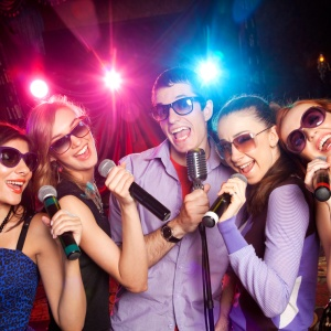 5 Songs That Should Be Banned From Karaoke Night
