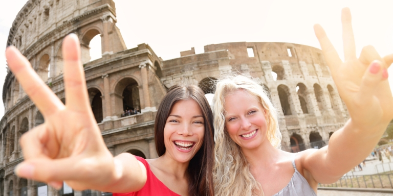 10 Reasons The Friends You Make While Traveling Abroad AreSpecial