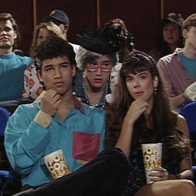 10 People At The Movie Theater That Everyone Hates
