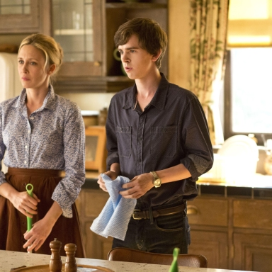 """Why """"Bates Motel"""" Is The New """"Twin Peaks"""""""