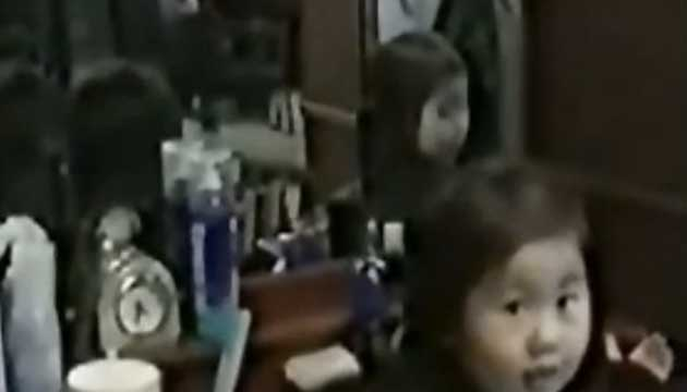 japanese-ghost-girl-in-mirror
