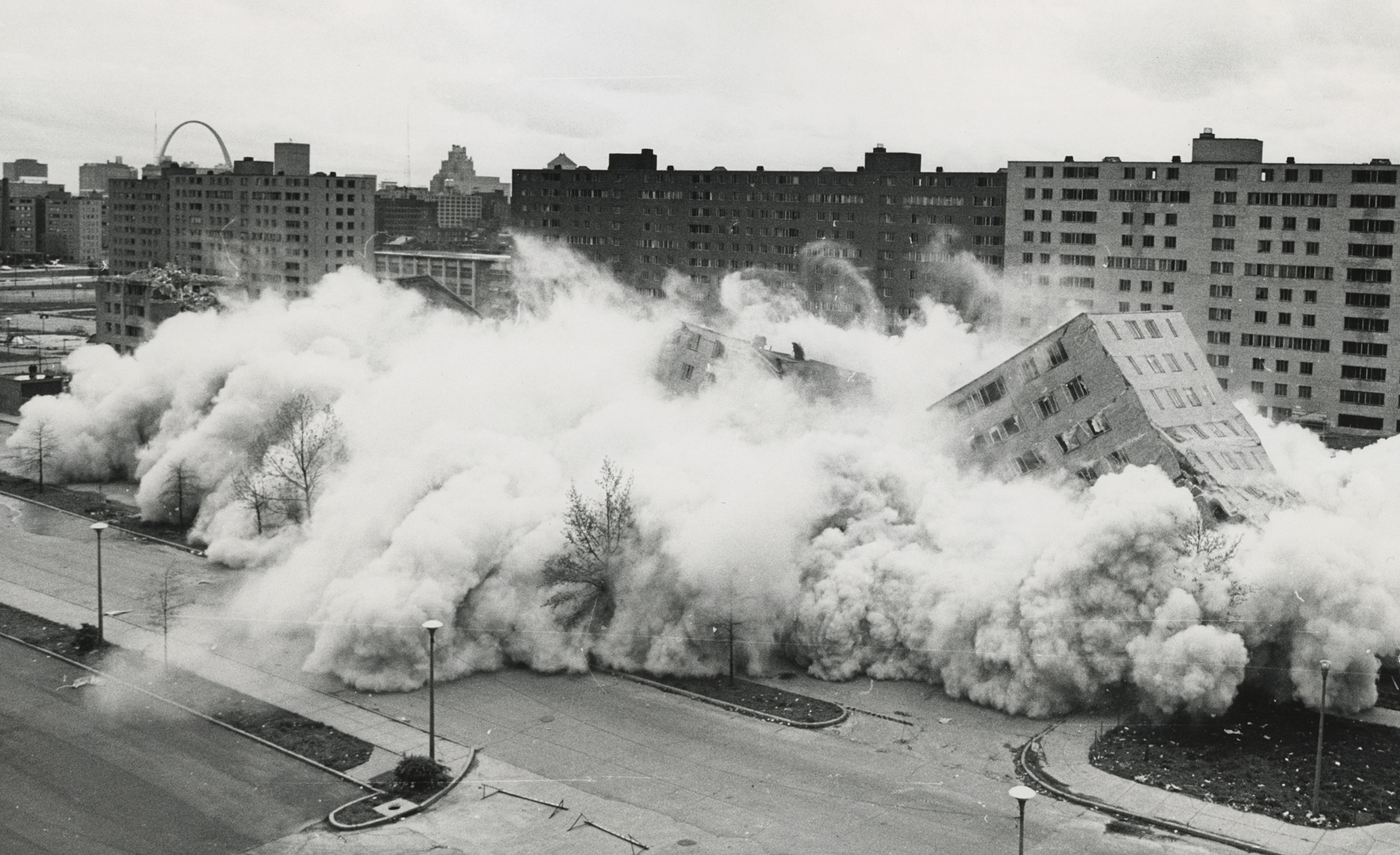 April 1972. The second, widely televised demolition of a Pruitt-Igoe building that followed the March 16 demolition.