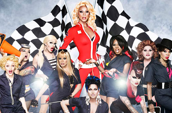 5 Signs The World Is A Sickening DragQueen
