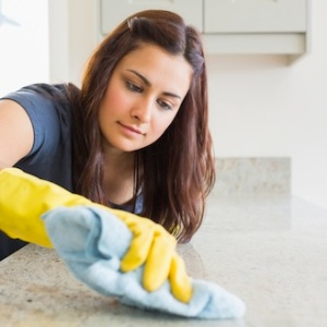 I'm The Woman Who Cleans Your House And This Is How Not To Be A Dick To Me