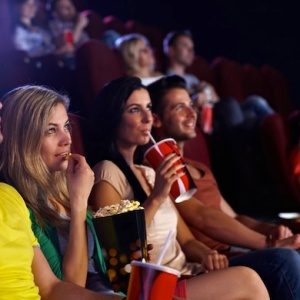 The 10 Worst People At Movie Theaters