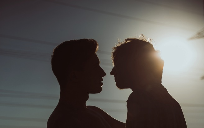 15 Misunderstandings That Bisexual Men Have To Deal With