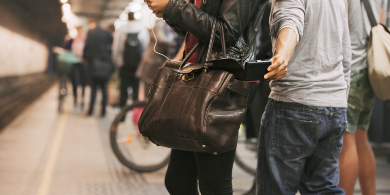 6 Ways To Avoid Pickpockets WhileTraveling