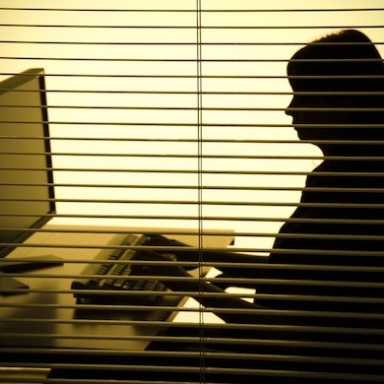 I Hacked Into My Boyfriend's E-Mail And Discovered He Was Cheating