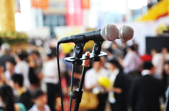 5 Helpful Tips For Becoming A More Confident Public Speaker