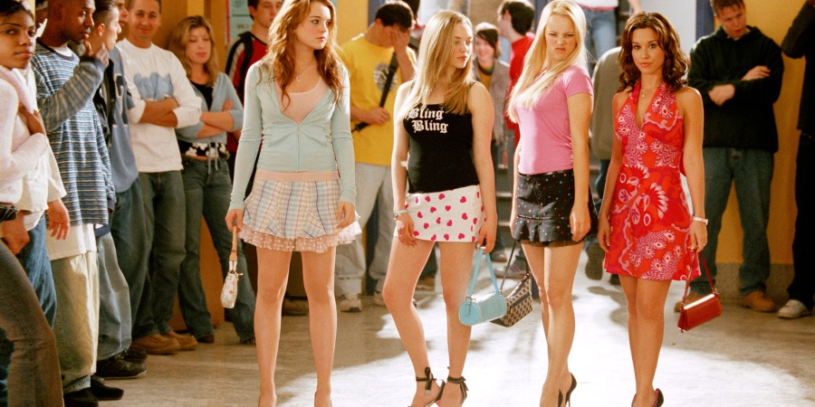 17 Weird Things Girls Did With Their Friends In The Early2000s