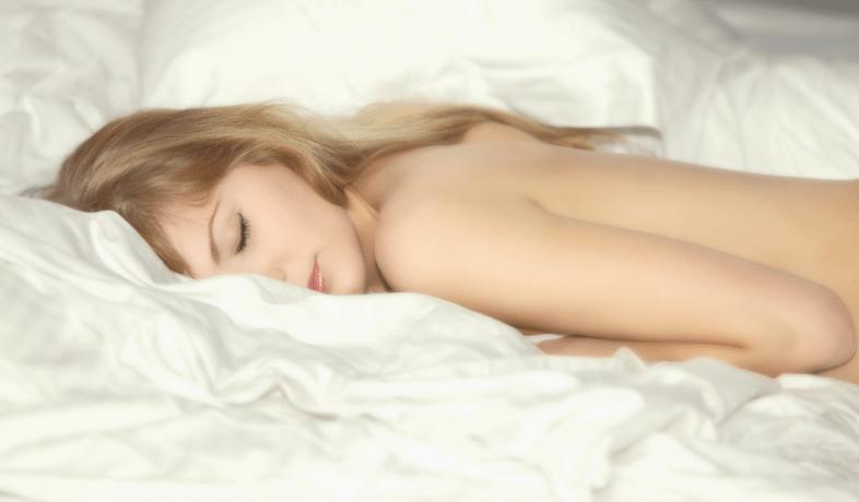 "a href=""http://www.shutterstock.com/pic-122086012/stock-photo-naked-girl-on-the-bed.html?src=b0pjLOqv1obUpfkLzcdRvA-1-59"">Shutterstock"