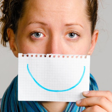 7 Thoughts That Go Through My Head When Strangers Tell Me To Smile