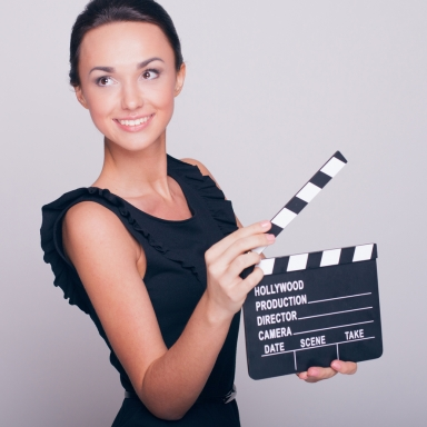 6 Awesome Things You Learn As An Extra In A Movie