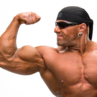 10 Simple Ways To Look Like A Douche At The Gym