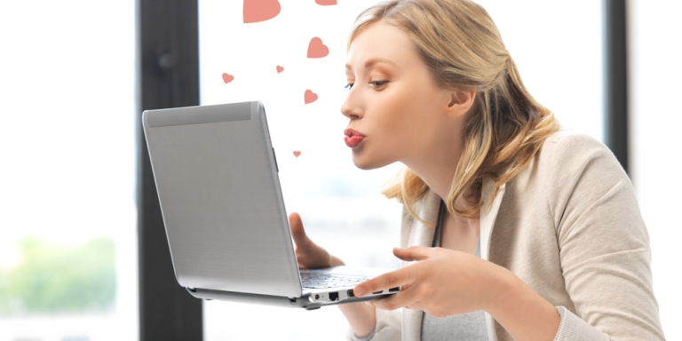 10 Amazing Tricks To Get Your Online Dating Profile To Stand Out Against TheCrowd