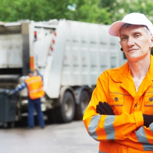 24 Garbage Men Reveal The Ridiculous Things They've Found While Working