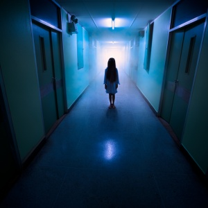 17 Frightening Stories Of Abandoned Hospitals And Asylums As Told By Urban Explorers And Security Guards