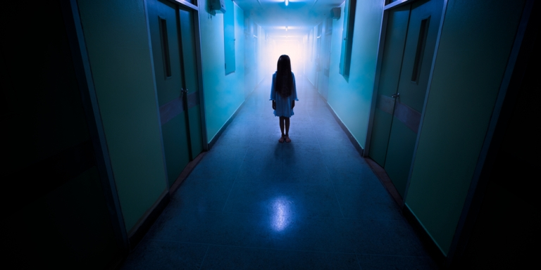 17 Frightening Stories Of Abandoned Hospitals And Asylums As Told By Urban Explorers And SecurityGuards
