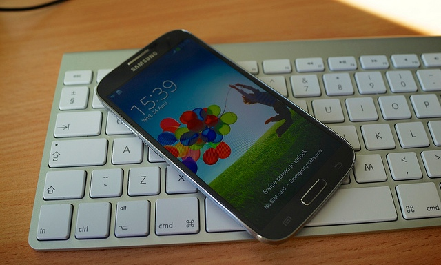 Report: An Overworked Chinese 14-Year-Old Made Your Samsung GalaxyS