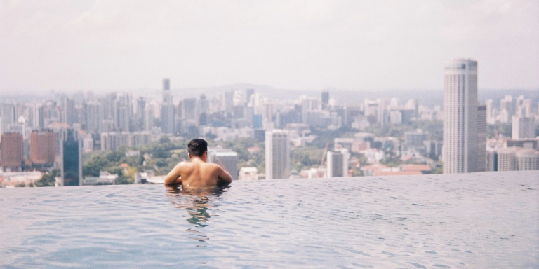 7 Incredible Things You'll Experience If You Travel The WorldAlone