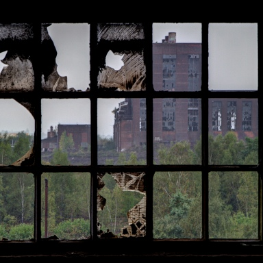 18 Haunting Photos Of Abandoned Buildings By Matthew Emmett, The Forgotten Heritage Photographer