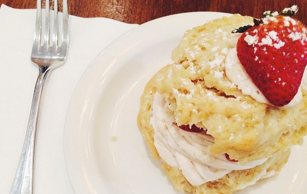 9 Reasons Why Everyone Should Work In A Restaurant At LeastOnce
