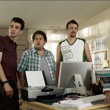 10 Weird Thoughts You Have When You Have Roommates