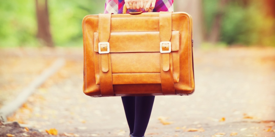 5 Unexpected Benefits Of Fitting Your Life Into 2 Suitcases When You MoveAbroad
