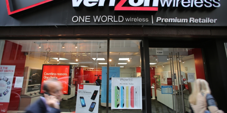 Verizon To Drop iPhone From Service After Apple Refuses To Give Out iPads For EntitledMan-Children