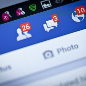 What Would Your Facebook Look Like If Everyone's Status Updates Were Honest?