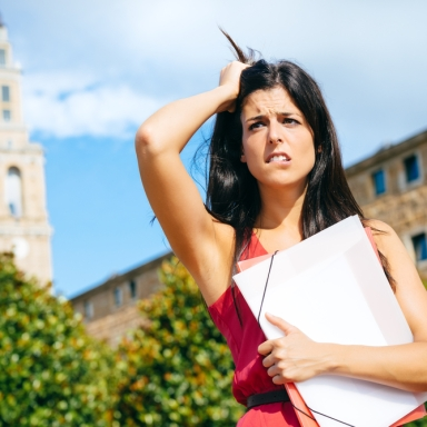 25 Thoughts Every Recent College Grad With A Liberal Arts Degree Has While On The Job Hunt