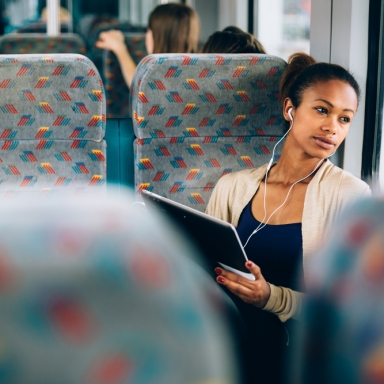 4 Reasons You Should Start Listening To Audiobooks