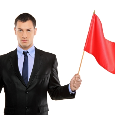25 Relationship Red Flags