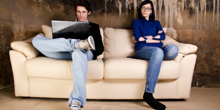 10 Warning Signs To Look For Before Entering ARelationship