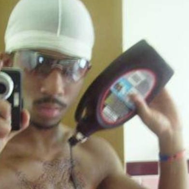 15 Selfies That Went Horribly Wrong