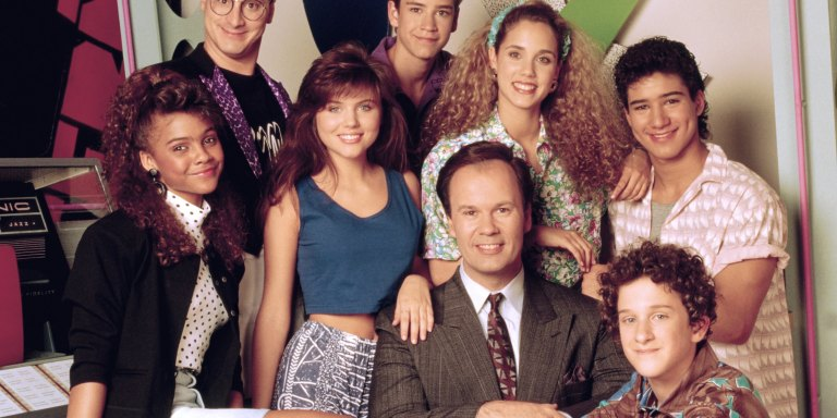 What Would Saved By The Bell Look Like If It Took Place PresentDay?